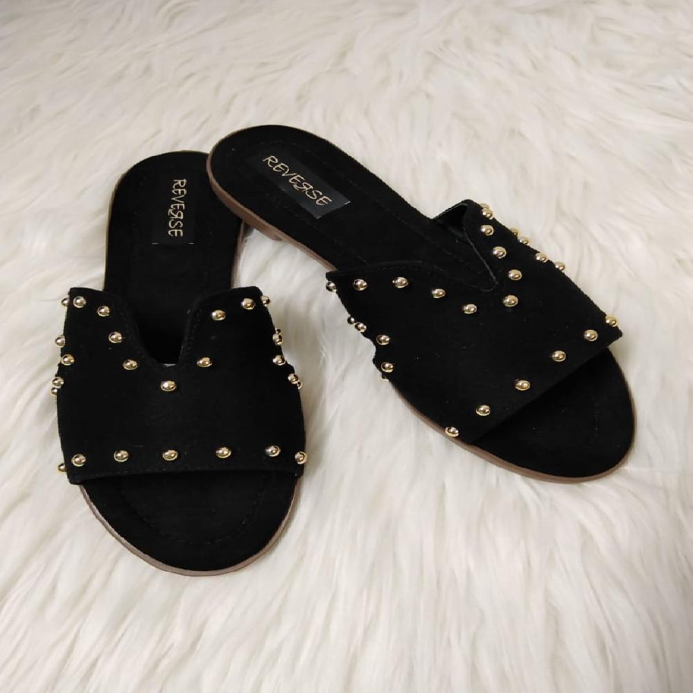 Sandalias negras con taches tacón bajo Anier