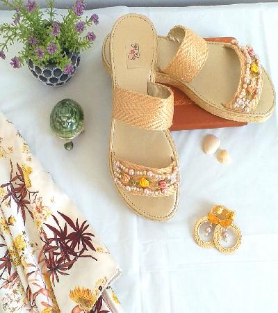 Sandalia decorada piedras Alba