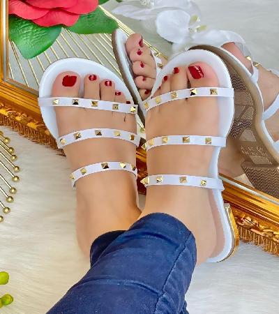 Sandalias con Taches sin Amarre