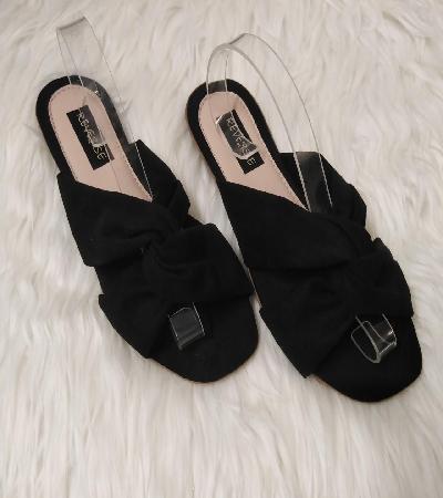 Sandalias cruzada negra sin amarres Jordana